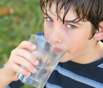 vizivas_fontossaga_a_gyerekeknel_allergia_asztma