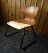 Szánkótalpas flex wood palástos szék